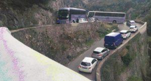 Traffico in Costiera amalfitana, blocco lungo la strada per Ravello